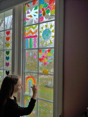 window-hearts-for-heroes-and-window-painting